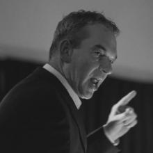 Oud-dirigent en waardevolle Bazuin-man Guus Tomey plotseling overleden