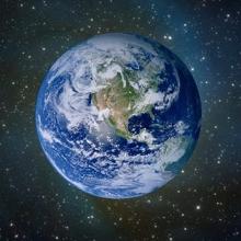Planet Earth met een koperrandje